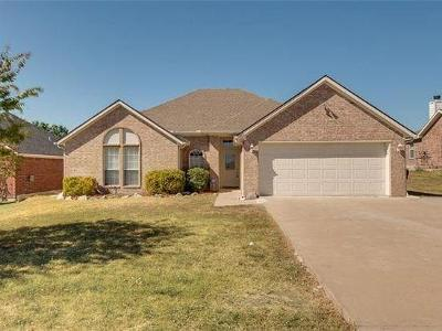 Royse City Single Family Home For Sale: 305 Rustic Grove Lane