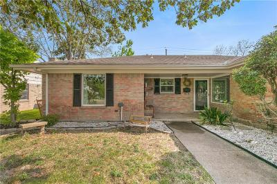Garland Single Family Home For Sale: 1502 Carroll Drive