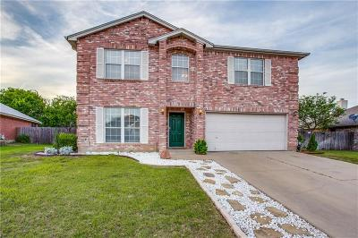 Saginaw Single Family Home Active Contingent: 309 Roundrock Loop N