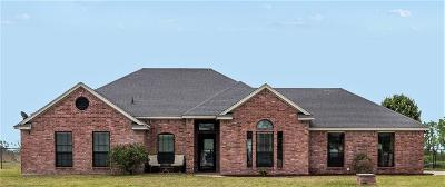 Weatherford Single Family Home For Sale: 105 Lauren Court