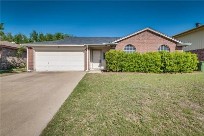 Arlington Single Family Home For Sale: 6411 Nellie Drive