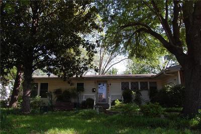 Arlington Single Family Home For Sale: 115 Oriole Drive
