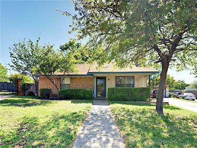 Arlington Single Family Home For Sale: 2218 Windhurst Drive