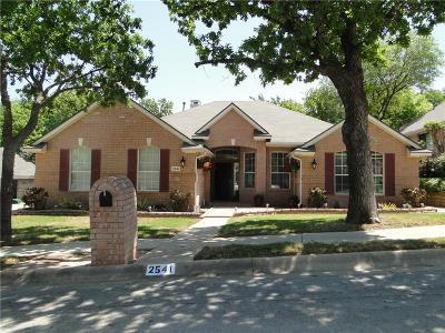 Denton Single Family Home For Sale: 2541 Natchez Trace