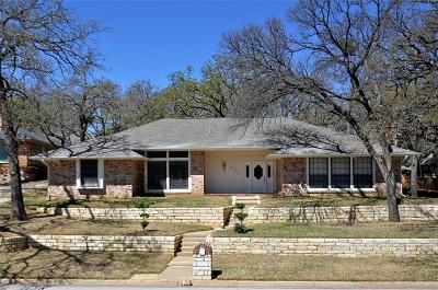 Arlington Single Family Home For Sale: 605 Van Buren Drive
