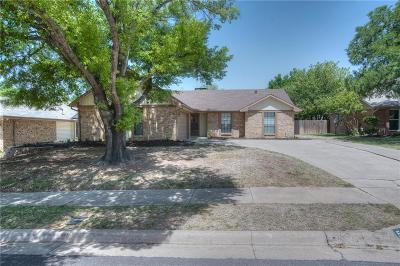 Euless Single Family Home Active Option Contract: 507 Evergreen Drive