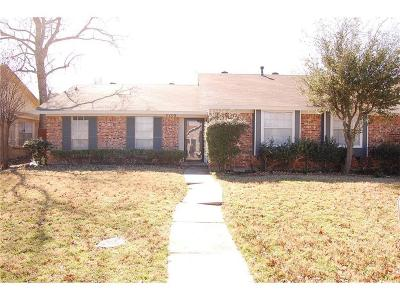 Carrollton Single Family Home For Sale: 2208 Greenvalley Drive