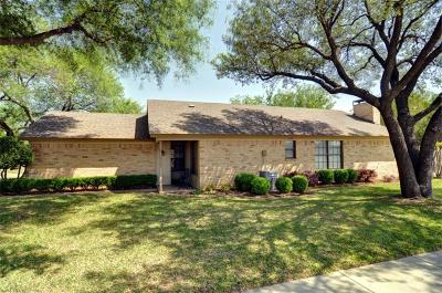 Euless Single Family Home For Sale: 1710 Mimosa Lane