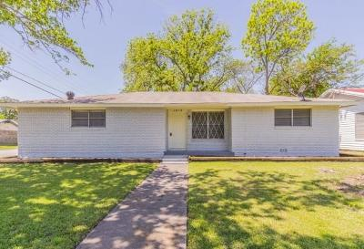 Cleburne Single Family Home For Sale: 1015 Granbury Street