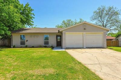 Mansfield Single Family Home Active Option Contract: 620 Prairie View Drive