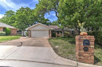 Arlington Single Family Home For Sale: 2514 Wild Rose Court