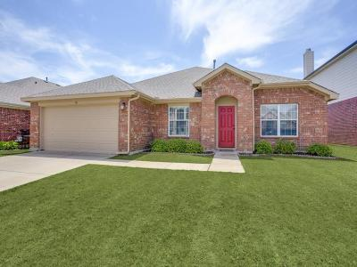 Fort Worth TX Single Family Home For Sale: $209,999