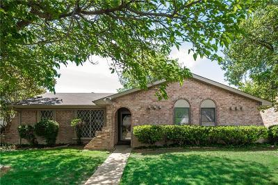 Dallas Single Family Home For Sale: 2722 Meadow Isle Lane