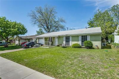 Arlington Single Family Home For Sale: 2613 Hollandale Circle
