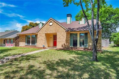 Mesquite Single Family Home For Sale: 1827 Robert Jones Drive