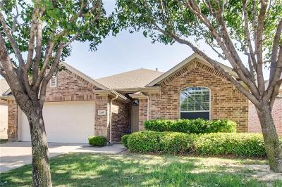 Euless Single Family Home For Sale: 208 Park Meadows Drive