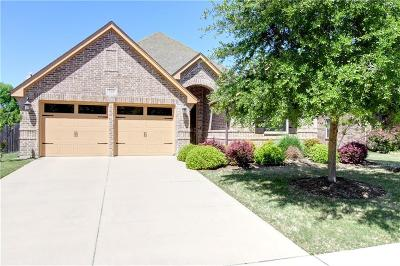 Benbrook Single Family Home For Sale: 528 Magnolia Parkway