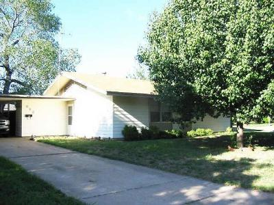 Euless Single Family Home Active Option Contract: 606 Hodges Drive