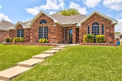 Rowlett Single Family Home Active Option Contract: 2615 Larkspur Lane