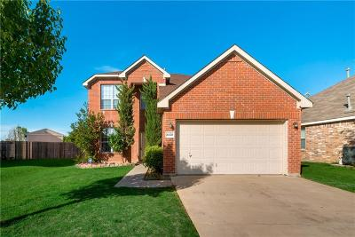Fort Worth Single Family Home For Sale: 4828 Star Ridge Drive