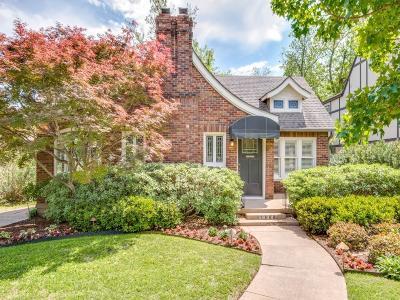 Dallas Single Family Home For Sale: 5834 Mercedes Avenue
