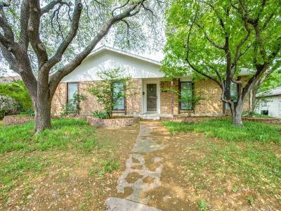 Carrollton Single Family Home For Sale: 2029 Haymeadow