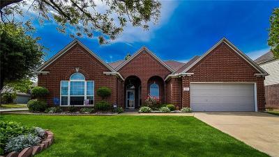 Arlington Single Family Home For Sale: 1812 Conquest Drive