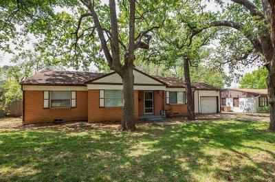 Arlington Single Family Home For Sale: 912 Gaye Lane