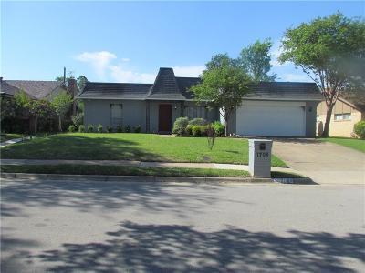 Arlington Single Family Home For Sale: 1708 Park Hill Drive