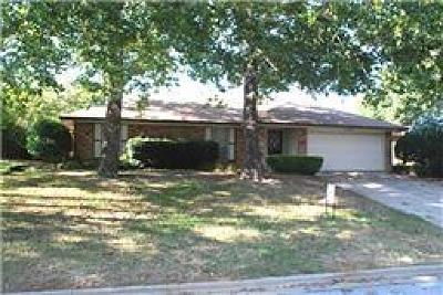 Arlington Residential Lease For Lease: 5903 Spring Hill Court