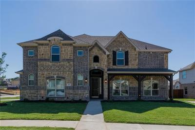 Kennedale Single Family Home For Sale: 317 Silver Oak Trail