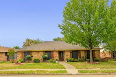 Flower Mound Single Family Home For Sale: 1303 Timber Valley Drive