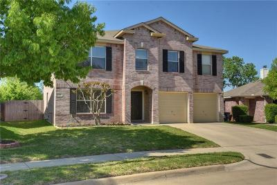 Fort Worth Single Family Home For Sale: 828 Jockey Club Lane