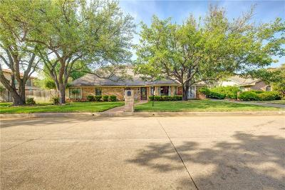 Trophy Club Single Family Home Active Kick Out: 203 Fresh Meadow Drive