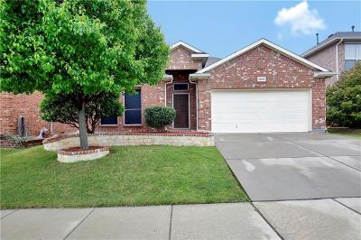 Fort Worth TX Single Family Home For Sale: $242,000