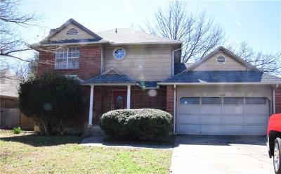 Arlington Single Family Home For Sale: 4904 Oak Springs Drive