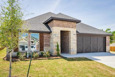 Weatherford Single Family Home For Sale: 1412 Town Creek Circle