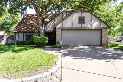 Grapevine Single Family Home For Sale: 2005 Willow Court