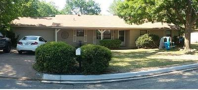 Hurst Single Family Home For Sale: 1205 Bradford Drive