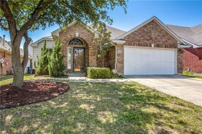 Fort Worth Single Family Home For Sale: 4616 Buffalo Bend Place