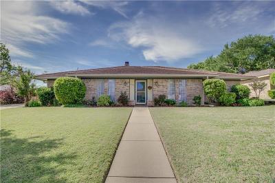 Hurst Single Family Home For Sale: 409 Fairhaven Drive