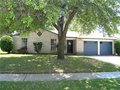 Arlington TX Single Family Home For Sale: $155,000