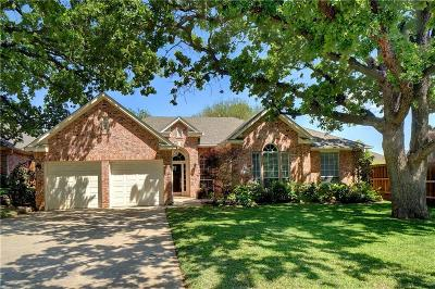 Grapevine Single Family Home For Sale: 2708 Pinehurst Drive