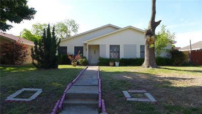 Carrollton Single Family Home For Sale: 2212 E Crosby Road