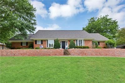 Overton Park Add, Overton Woods Add, Tanglewood Single Family Home For Sale: 3708 Echo Trail