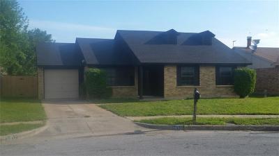 Fort Worth Single Family Home For Sale: 6937 Misty Glen Court