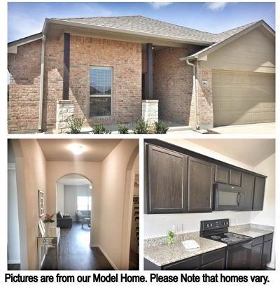 Dallas Single Family Home Active Contingent: 1530 Pompano Beach Drive
