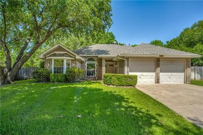 Grapevine Single Family Home For Sale: 1812 Meadow Crest Drive