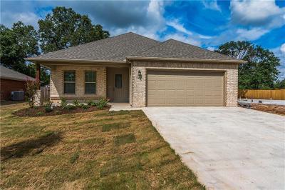Denison Single Family Home For Sale: 2825 W Washington Street