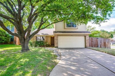 Grapevine Single Family Home For Sale: 1619 Stoneway Drive